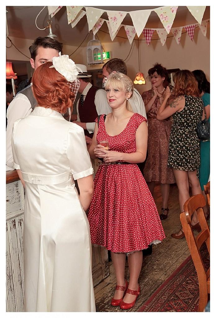 A nostalgic and beautiful 40's inspired wedding...