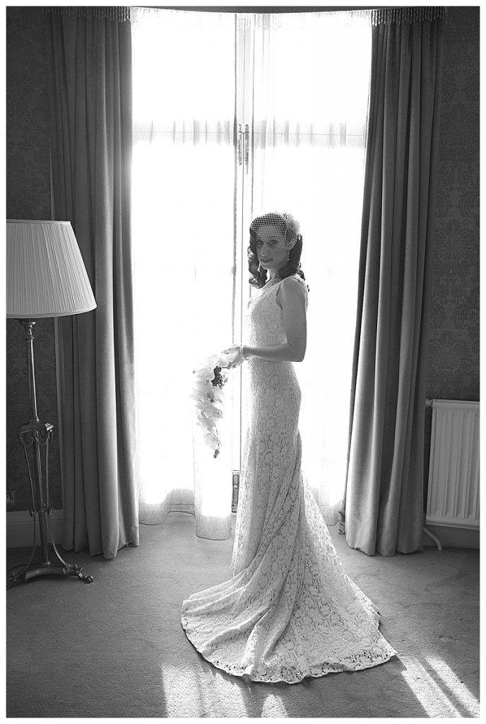 A gorgeous jewish bride in vintage wedding dress