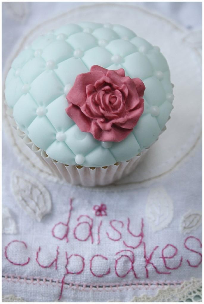 Daisy Cup Cakes