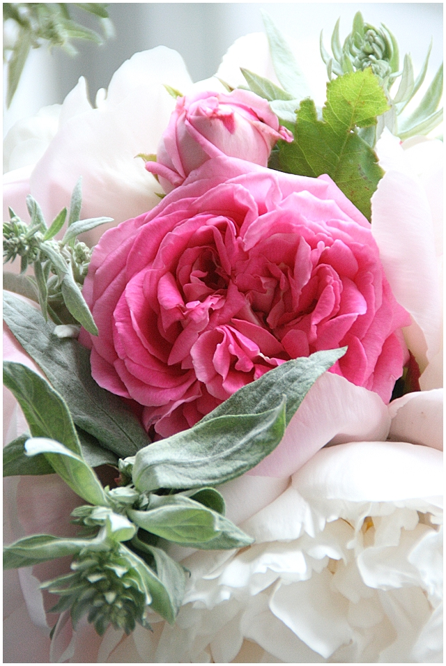 Wedding Flowers, a scent for all seasons