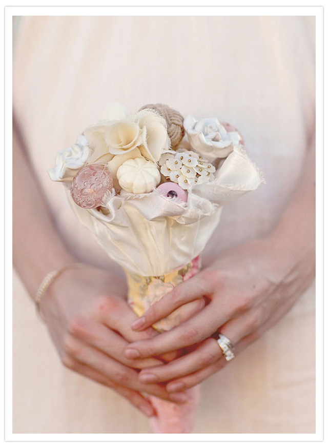Pretty DIY door knob wedding bouquet