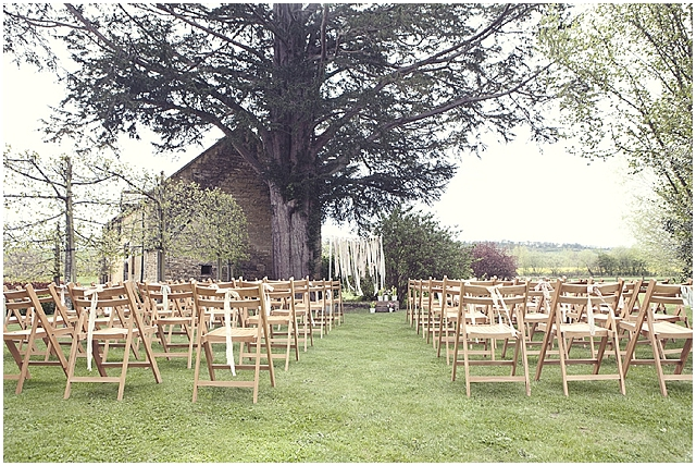 Country cottage style garden: real wedding | cotswold