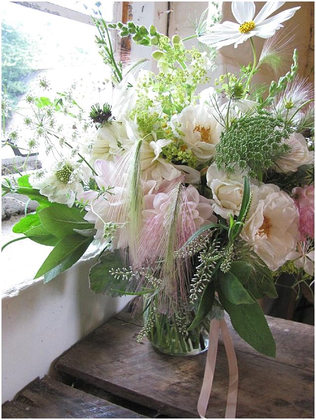 Beautiful wedding flowers - the blue carrott