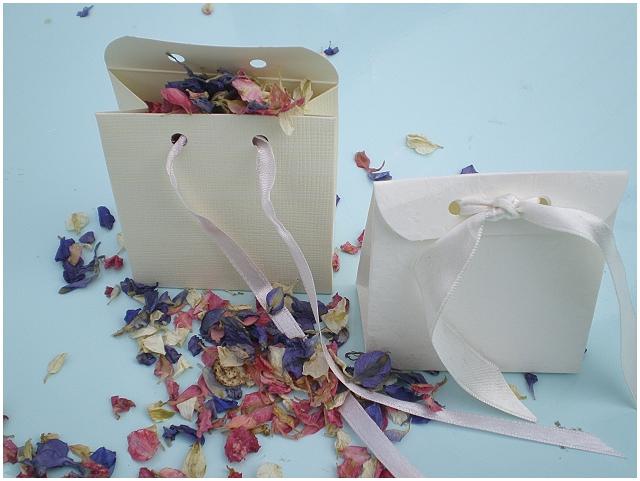 wedding confetti envelope
