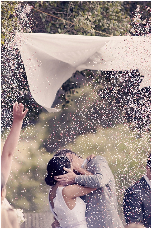 Confetti, first kiss, wedding idea