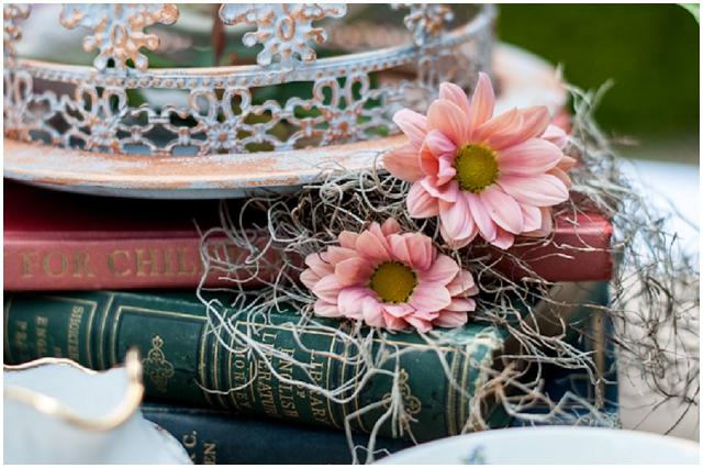 Alice In Wonderland: Mad Hatters | Unique Wedding Inspiration