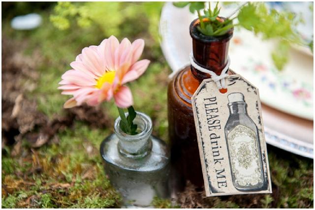Alice In Wonderland: Drink Me | Unique Wedding Inspiration