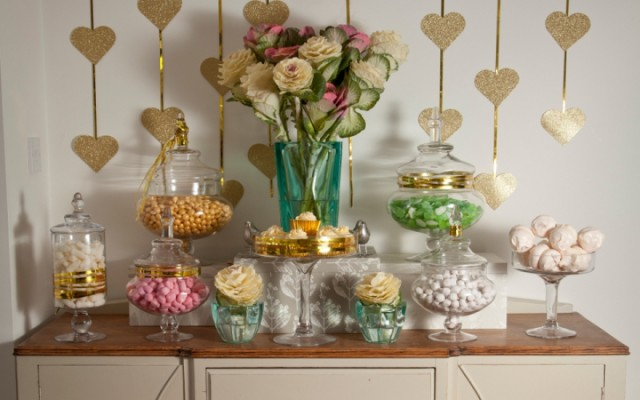 American Wedding Trends: Props | Candy Stations & Dessert Buffets