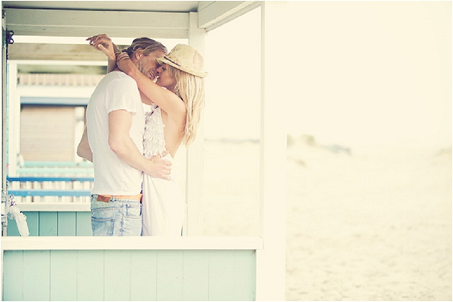 Whimsical Beach: Love Shoot Inspiration | Make-up Tips
