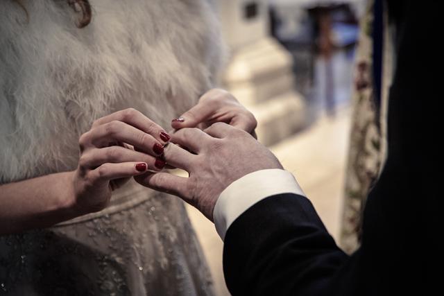 Contemporary Winter Wedding  Real Wedding (22)