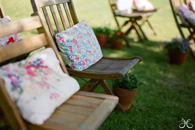 alternative wedding chairs with  pillows or cushions