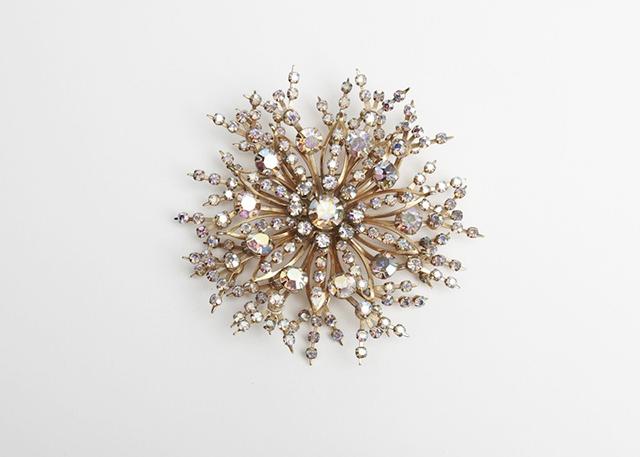 1950s_starburst_crystal_brooch_1024x1024