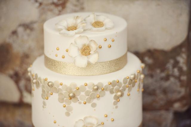 Scotney Castle Golden Glory Wedding Styled Shoot by Rebecca Douglas Photography