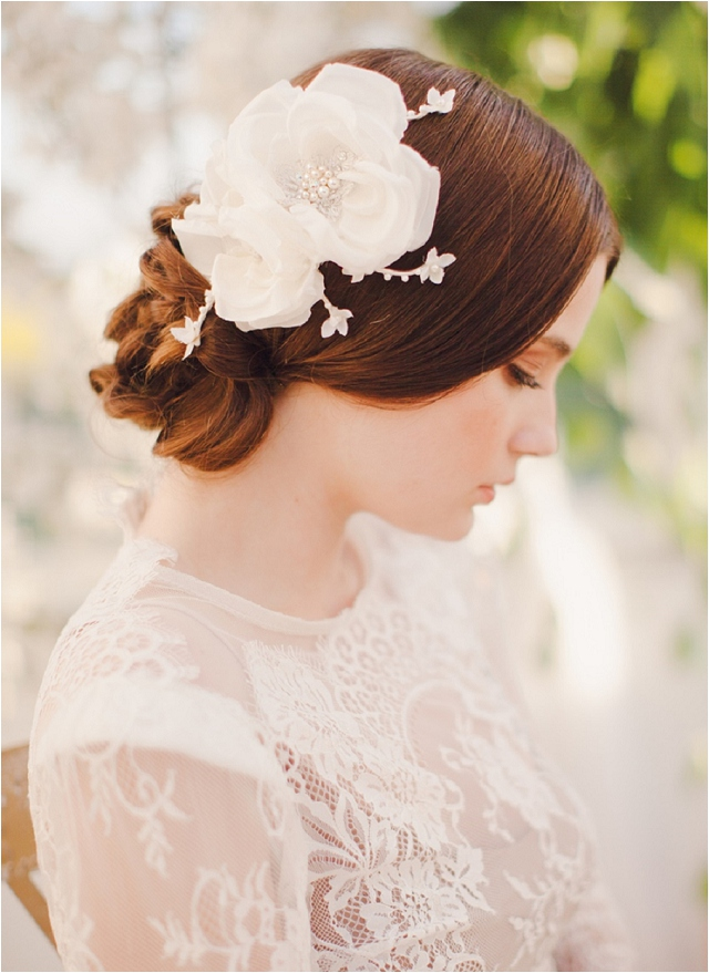 Beautiful headpieces & accessories for the fashion-forward bride