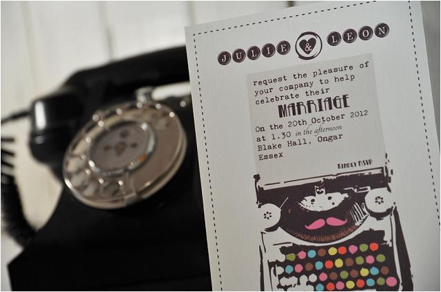 PaperGrace - Vintage Typewriter detail