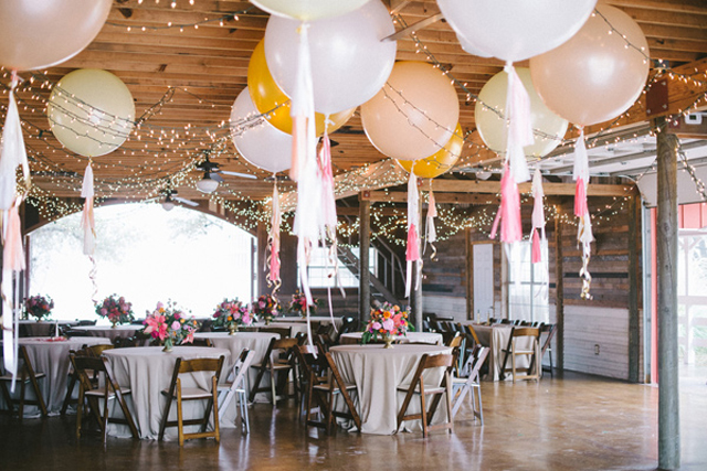 30 amazing wedding ceremony reception decoration ideas for Ballon wedding decoration