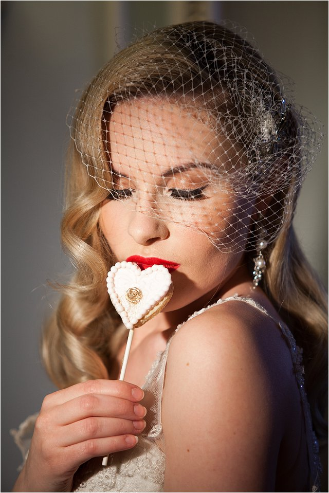 Opulent Splendor A 1950s Hollywood Glamour Inspired Bridal Shoot_0001