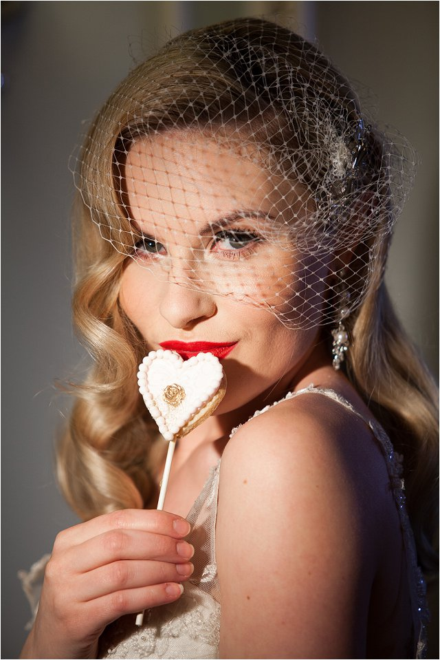 Opulent Splendor A 1950s Hollywood Glamour Inspired Bridal Shoot_0002
