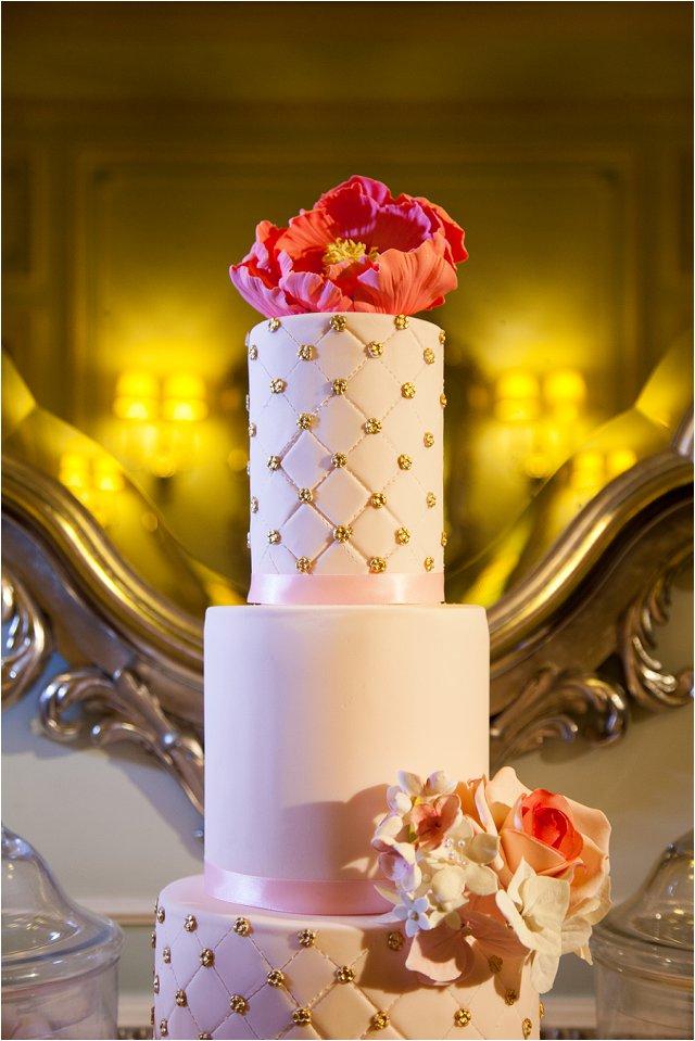 Opulent Splendor A 1950s Hollywood Glamour Inspired Bridal Shoot_0023