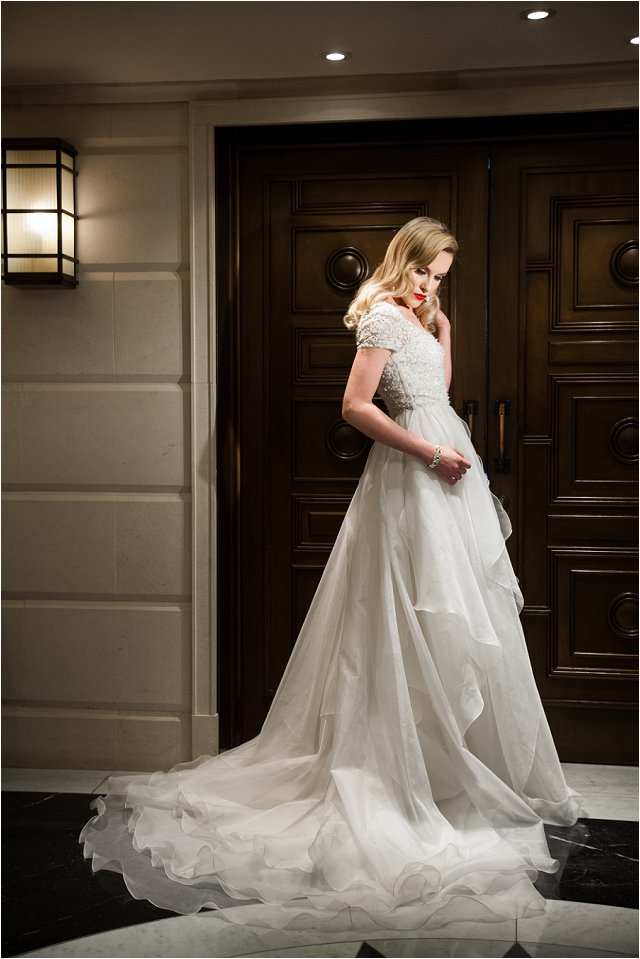 Opulent Splendor A 1950s Hollywood Glamour Inspired Bridal Shoot_0031