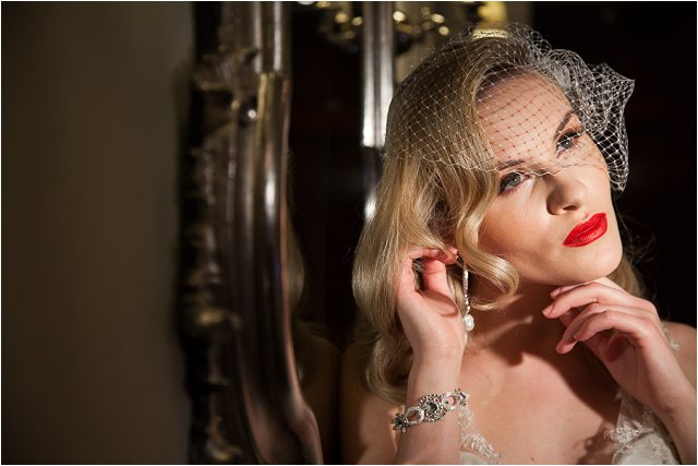Opulent Splendour A 1950s Hollywood Glamour Inspired Bridal Shoot_0045