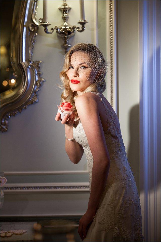 Opulent Splendor A 1950s Hollywood Glamour Inspired Bridal Shoot_0046