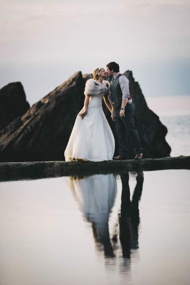 A Subtle Vintage Beach-side Wedding | Tunnels Beaches