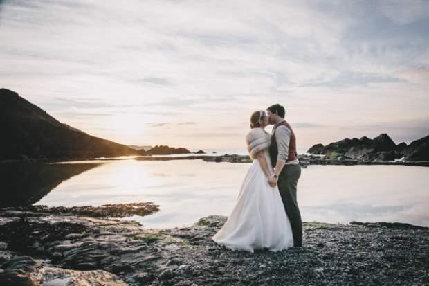 A Subtle Vintage Beach-side Wedding   Tunnels Beaches