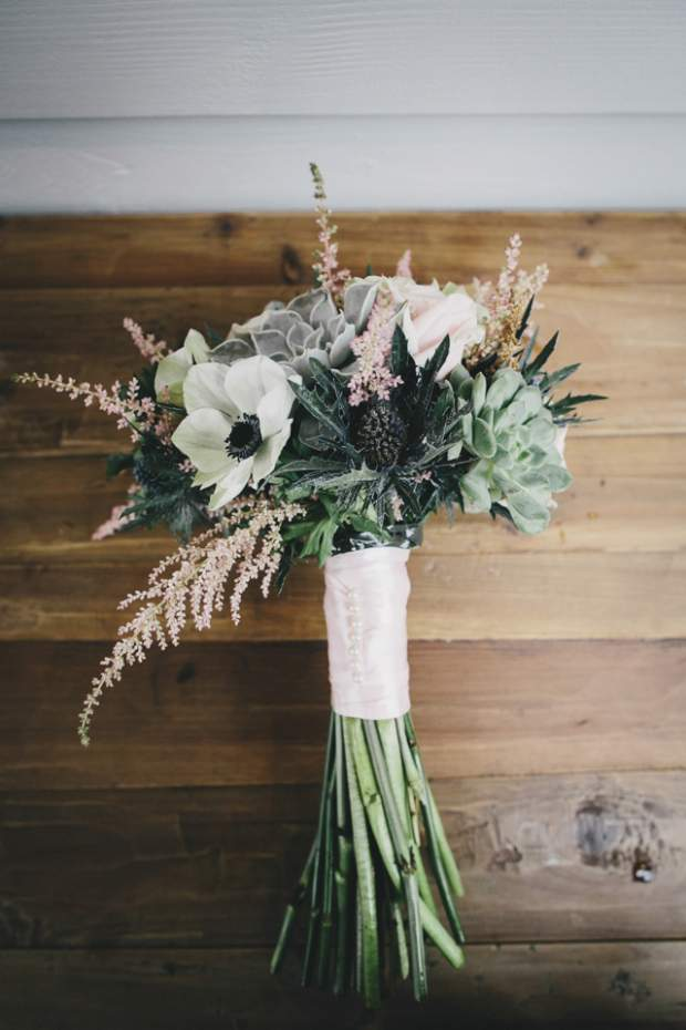 A Subtle Vintage & Polka Dot Themed Beach-side Wedding | Tunnels Beaches