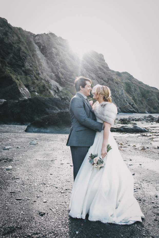 Rhiannon & James at Tunnels Beaches_HelenLiskPhotography -68