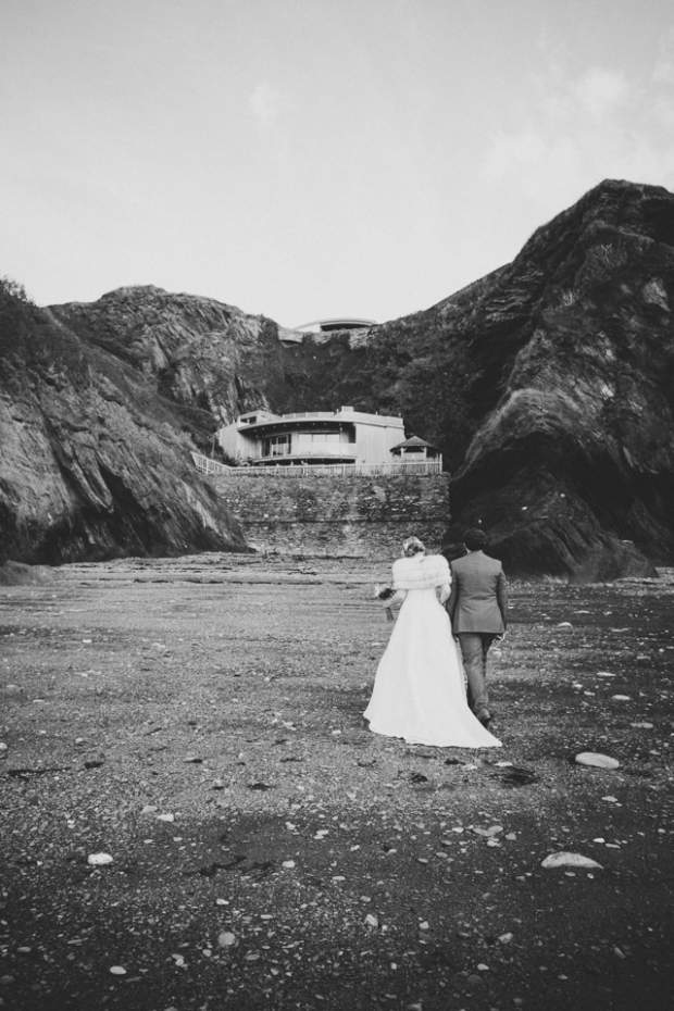 Rhiannon & James at Tunnels Beaches_HelenLiskPhotography -70