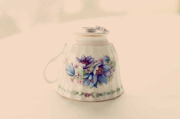 pretty teacup wedding favours - yes!