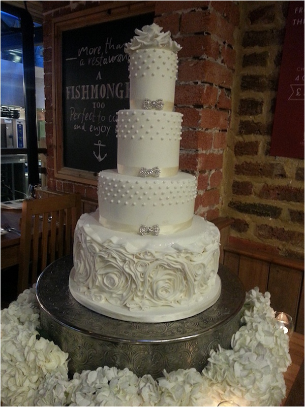 The-Prettiest-Coolest-Wedding-Cake-Trends-For-2014-By-Elizabeth-s-Cake-Emporium