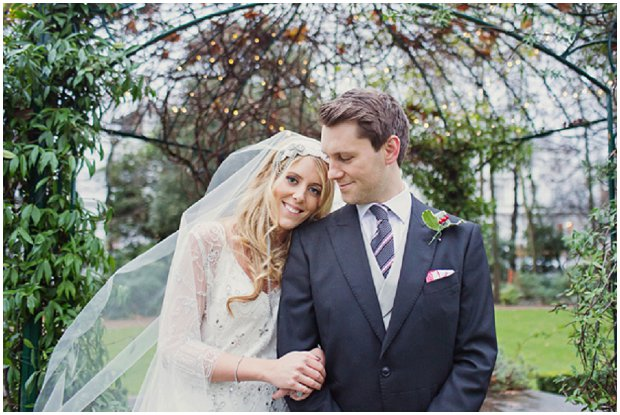 Gorgeous Winter Wedding With Christmas Touches_0102