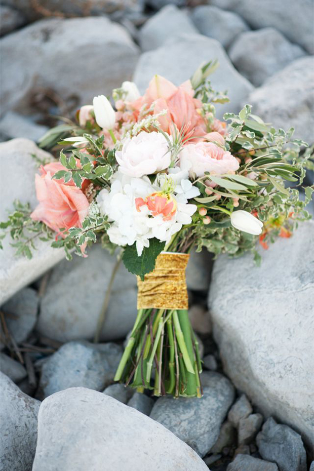 gold bouquet tie