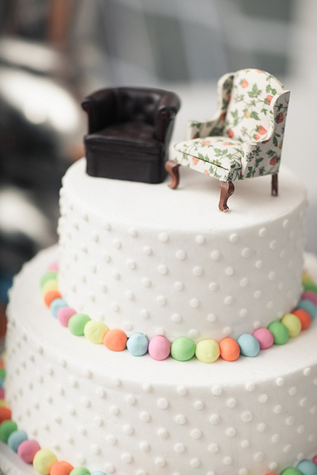 His and her armchair cake topper