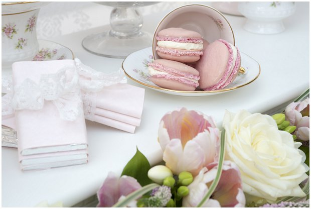 romantic, vintage inspired dessert table with a soft colour palette of pinks, ivory's and nudes_0004