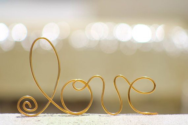 wire cake topper (LOVE)