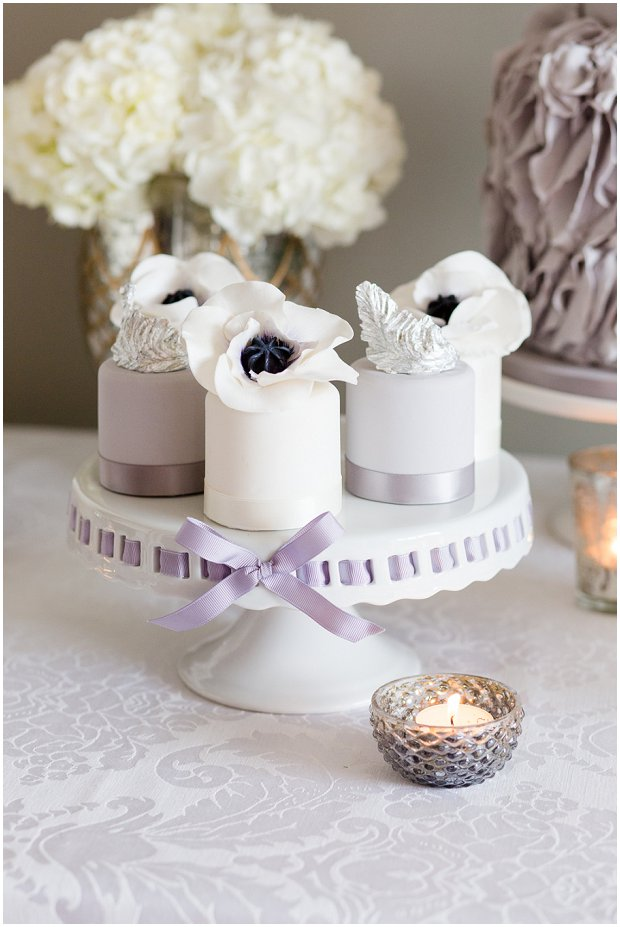 black and white anemone mini cakes