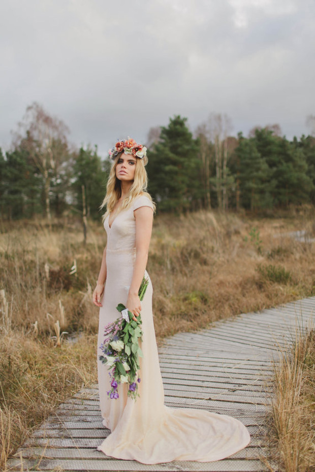 Ultimate boho wedding dresses the bohemian bride for Boho country wedding dress