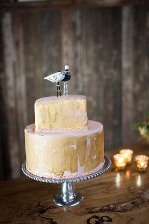 gold brushed wedding cake