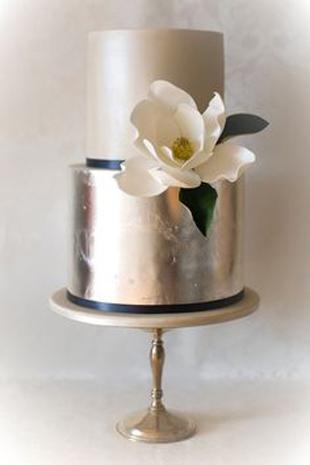 silver pewter weddin cake