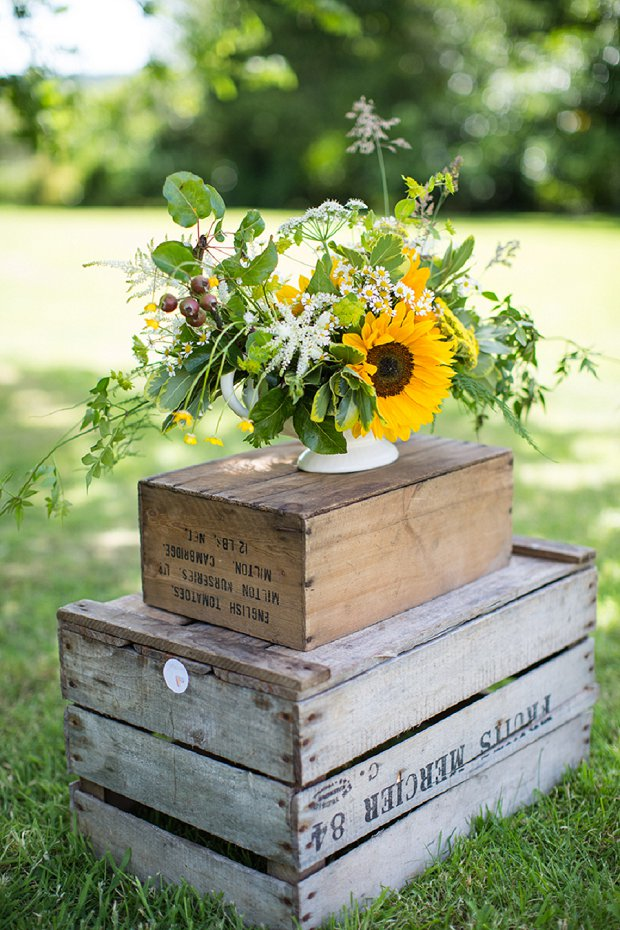 Rustic Yellow Garden Party: Styled Wedding Inspiration