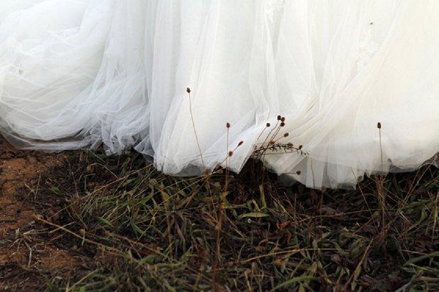 Romantic White Vineyard Wedding: Stacy & Simon {and bump}