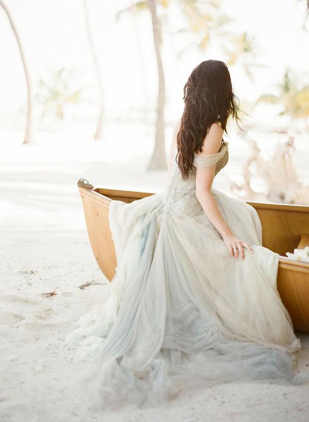 Sea-foam, Teal & Antique Gold: Wedding Inspiration   Colour Ideas