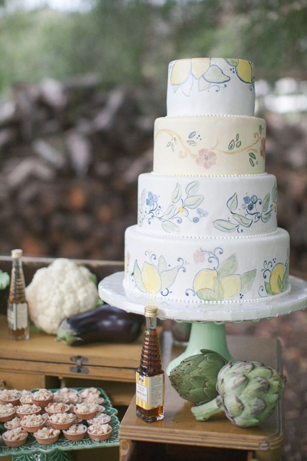 hand painted wedding cakes uk 22 painted wedding cakes that will inspire you 15065