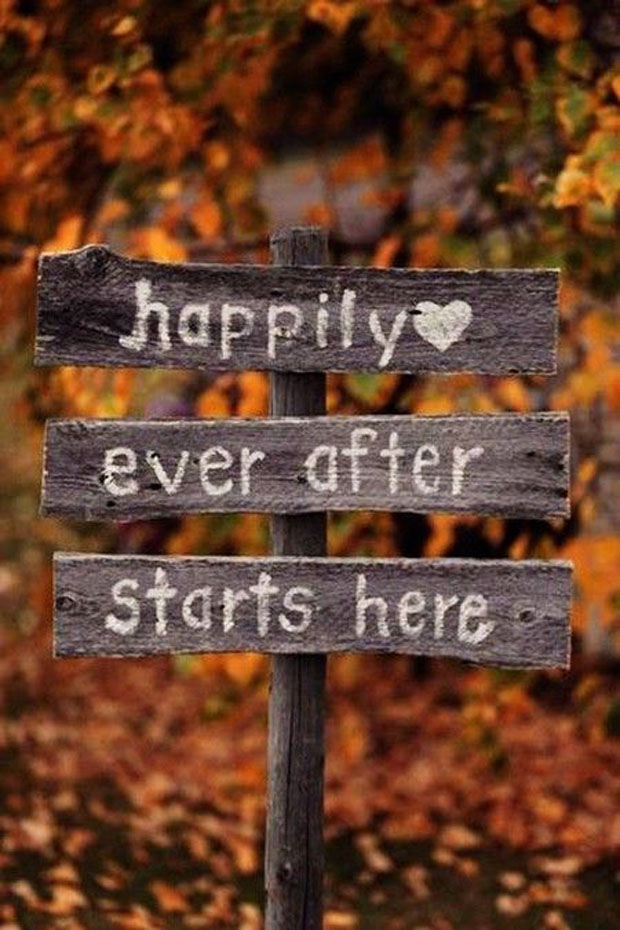 Autumn wedding ideas & inspiration - sign