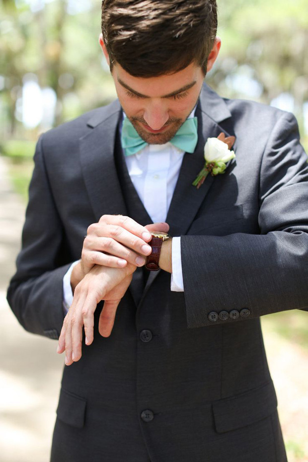 Lucite Green Wedding Bow Tie