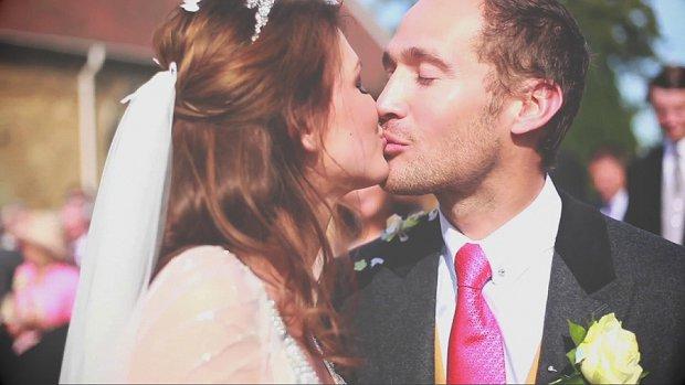 Alice In Wonderland Julia and Mark's Super 8mm Effect Wedding Film_0009