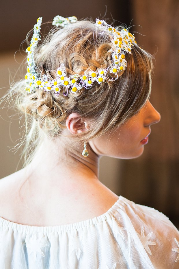 Beautiful & Unique Hair Accessory Ideas For Your Wedding Day_0076